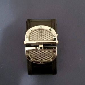 Patent leather Guess watch